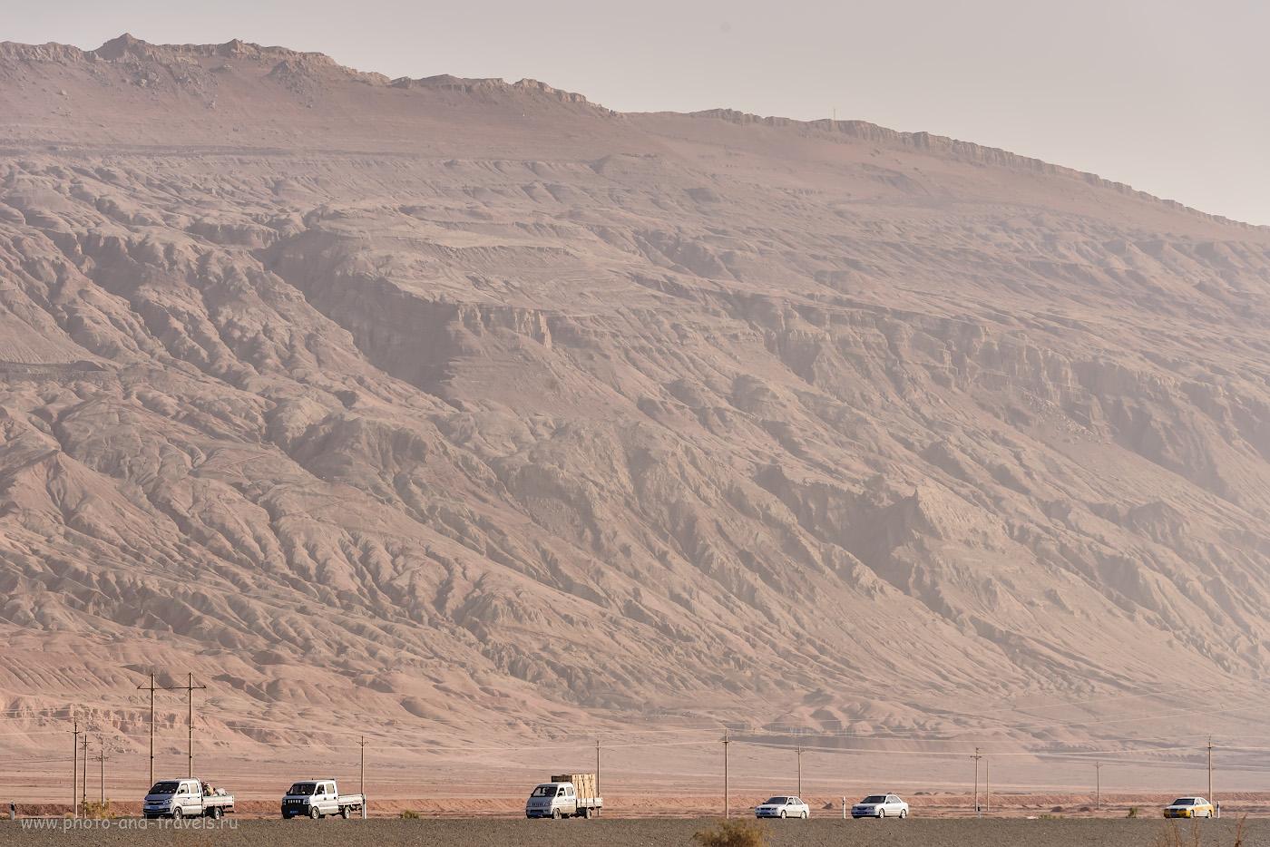 Фото 7. Пылающие горы, в окрестностях которых расположен город Турфан. Экскурсии в Китае. Отзывы туристов. 1/800, +0.33, 9.0, 500, 165.