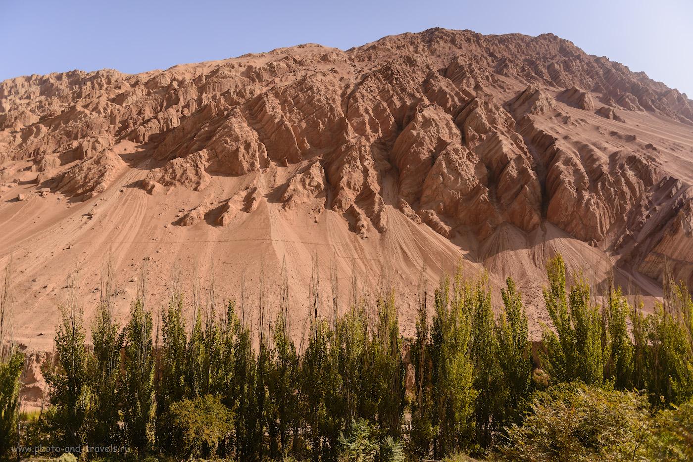 Фотография 16. Пейзажи у пещер тысячи Будд Безеклик в Турфане. Отзыв о путешествии по Китаю «дикарями». 1/4000, -1.33, 2.8, 100, 24.