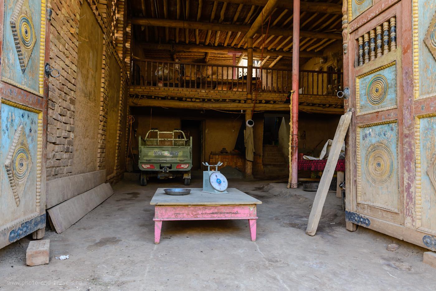 Фото 19. Так выглядит уйгурский дом изнутри. Прогулка по деревне Туюк-мазар. Экскурсия из Урумчи. 1/50, +1.33, 8.0, 900, 24.