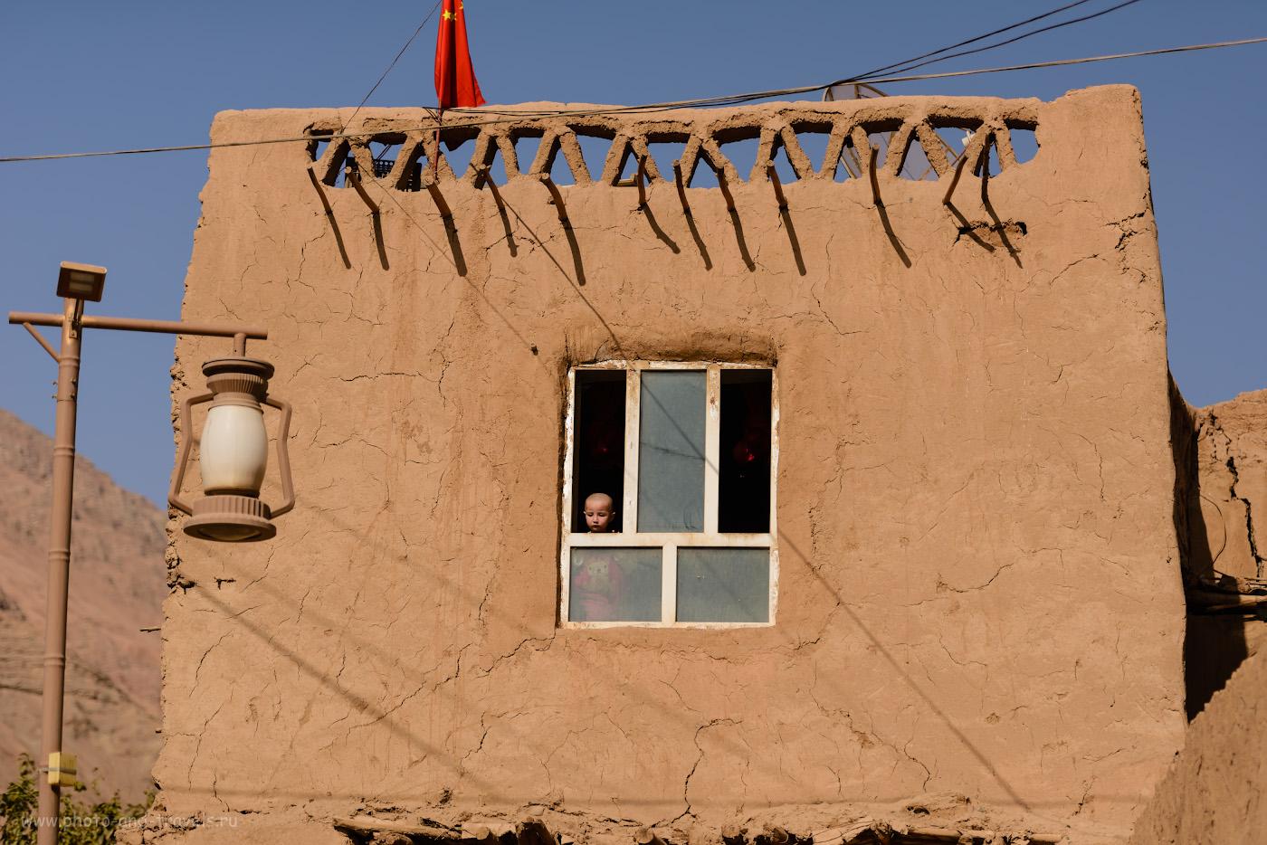 Фото 22. Сценка из жизни в кишлаке Туюк-мазар в Турфане. Поездка в Китай самостоятельно. 1/2000, 2.8, 100, 95.