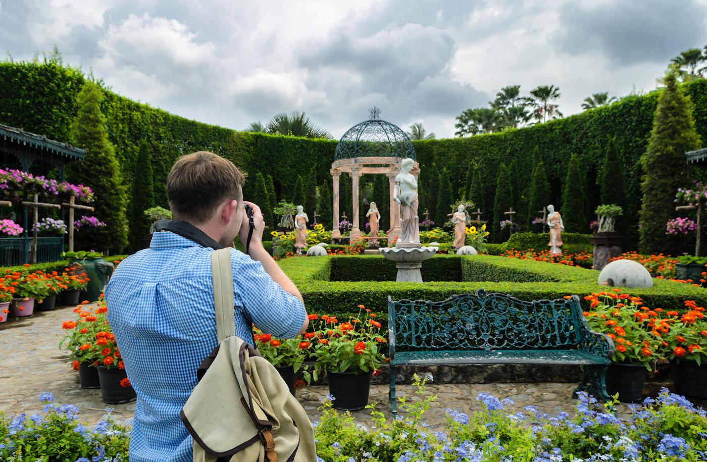 5. Владелец Canon снимает ротонду в Итальянском саду парка Нон Нуч. Ботаничесий сад - одна из самых интересных достопримечательностей Паттайи. Отзывы о поездке на отдых в Таиланд.