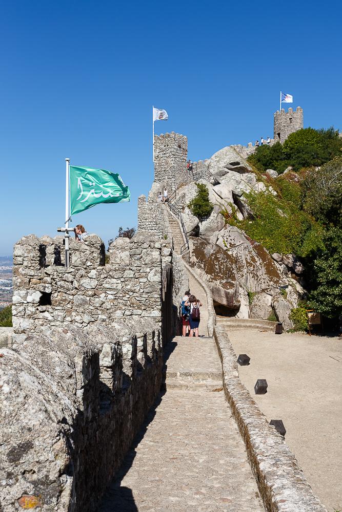 Фото №16. Замок Мавров. Отзывы туристов о самостоятельных экскурсиях в Синтре во время отдыха в Португалии. 1/400, 0, 8. 100, 32.