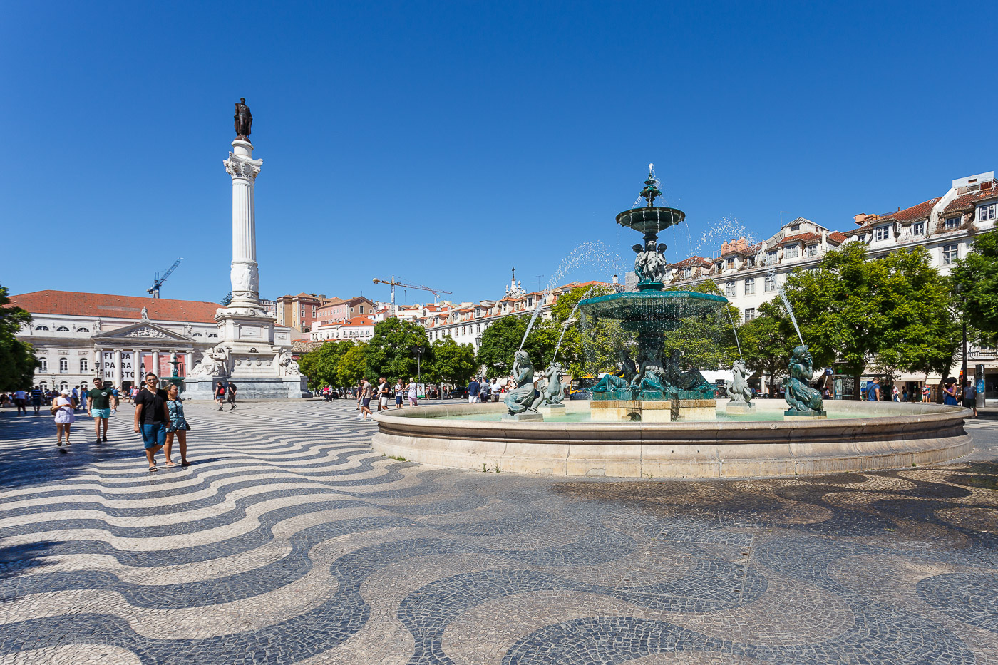 Фото №19. Площадь Дом Педру IV (Praça de D.Pedro IV) в Лиссабоне. Отзыв о самостоятельной поездке в Португалию. 1/320, 0, 9, 100, 17.
