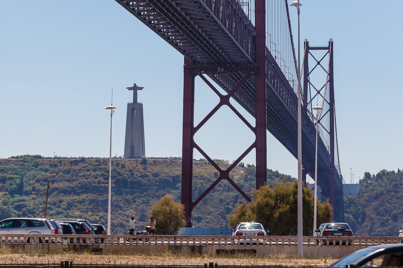 Фото №20. Мост 25 апреля и Иисус Царь в Лиссабоне. Отчет о поездке в Португалию самостоятельно. Камера Canon EOS 6D, объектив Canon EF 70-200, 1/400, 0.9, 100, 116.