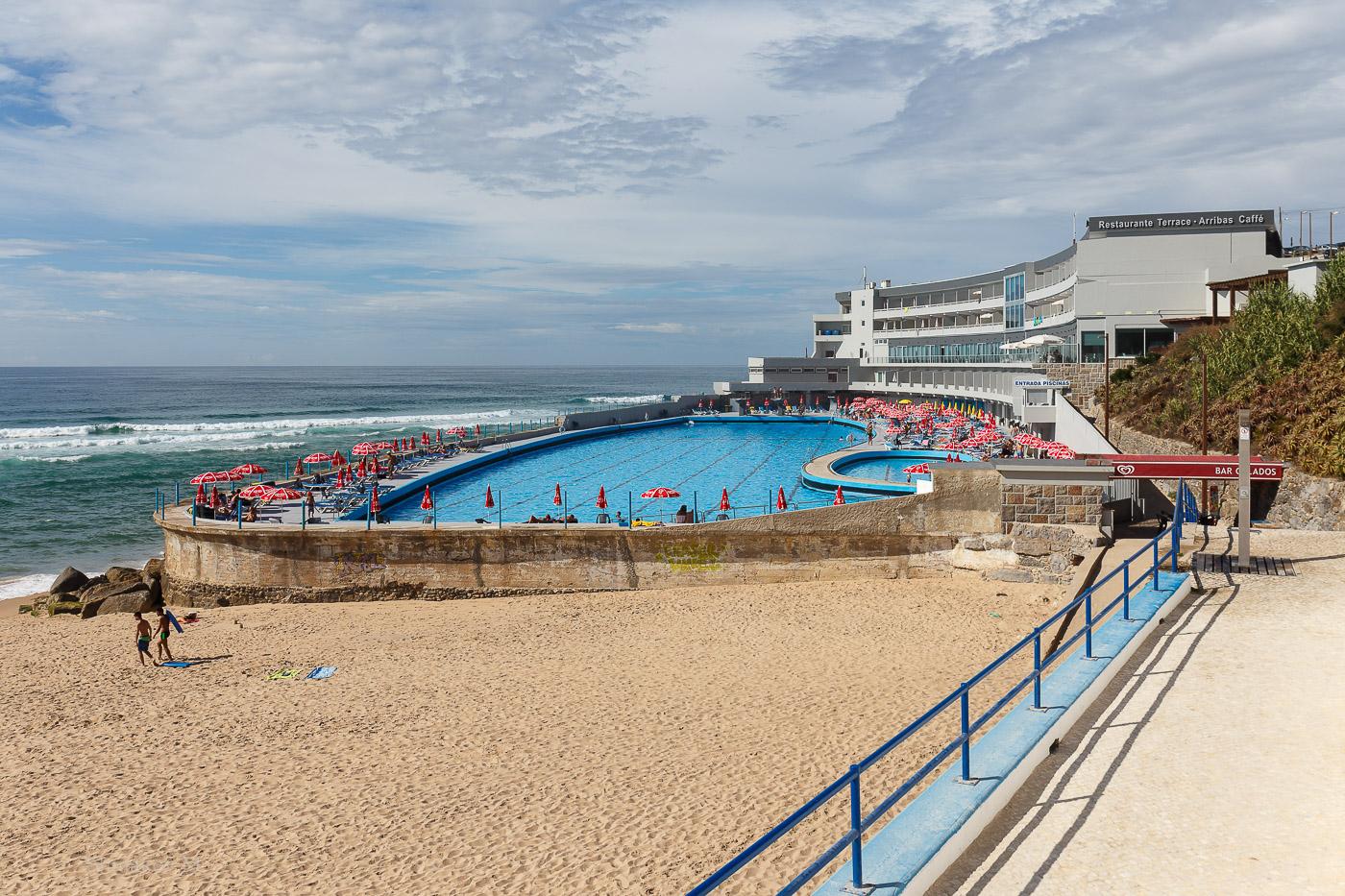 Фото № 2. Отель «Arribas Sintra Hotel», и бассейн. Объектив Canon EF 24-70, 1/500, 0.9, 100, 29