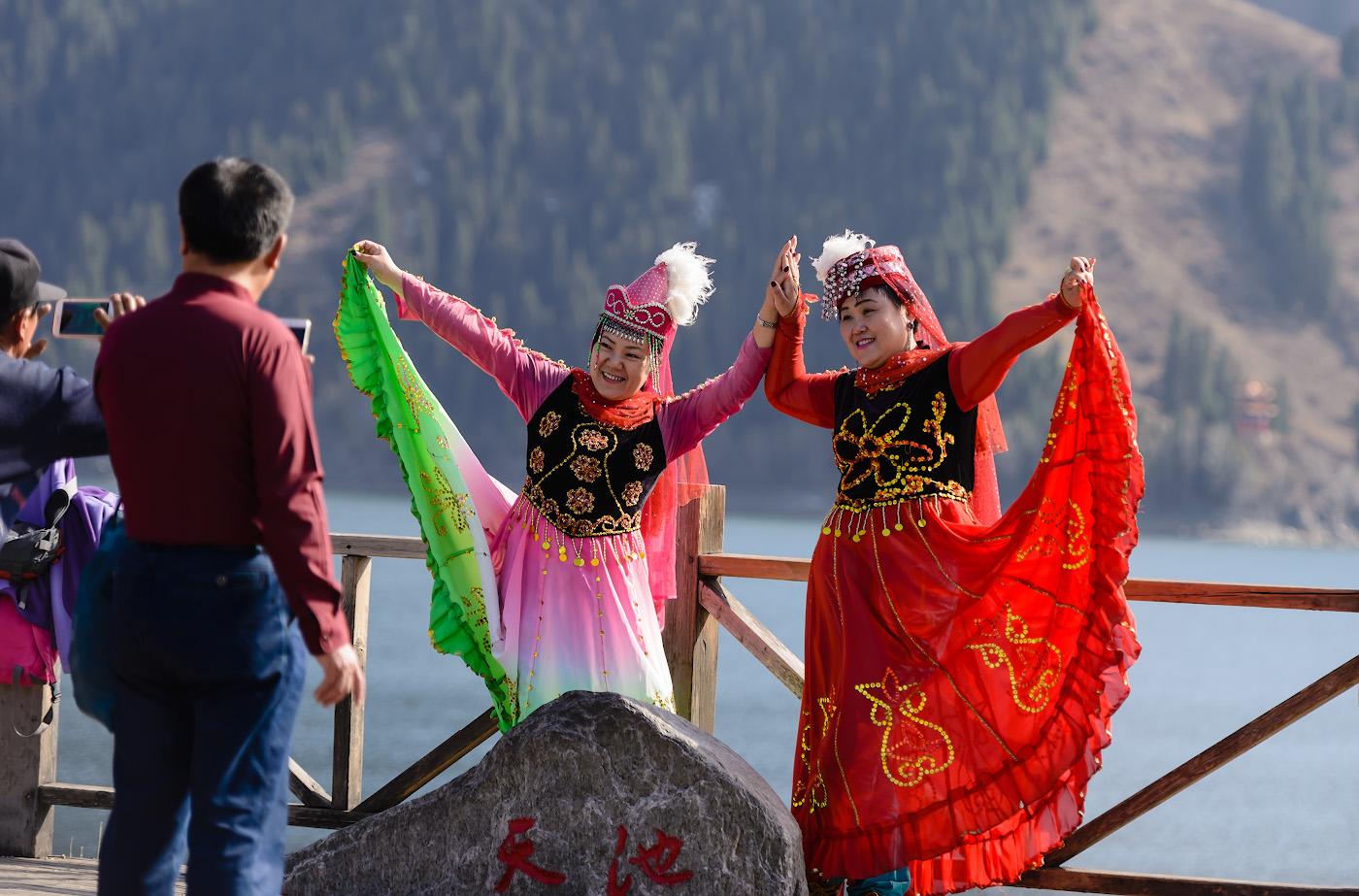 Фотография 9. Фотосессия на берегу Небесного озера (Tianchi Lake). Отчет о путешествии из Урумчи в Тяньчи. Наша третья китайская поездка. 1/400, -0.67, 2.8, 100, 120.