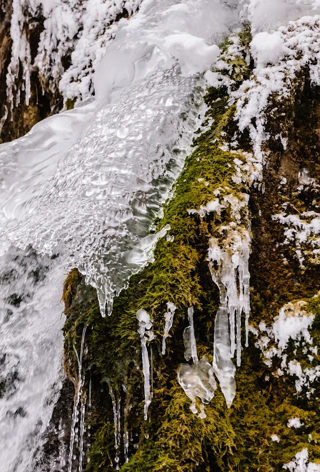 Фото 18. Ледяные оковы. Водопад Плакун в Пермском крае.
