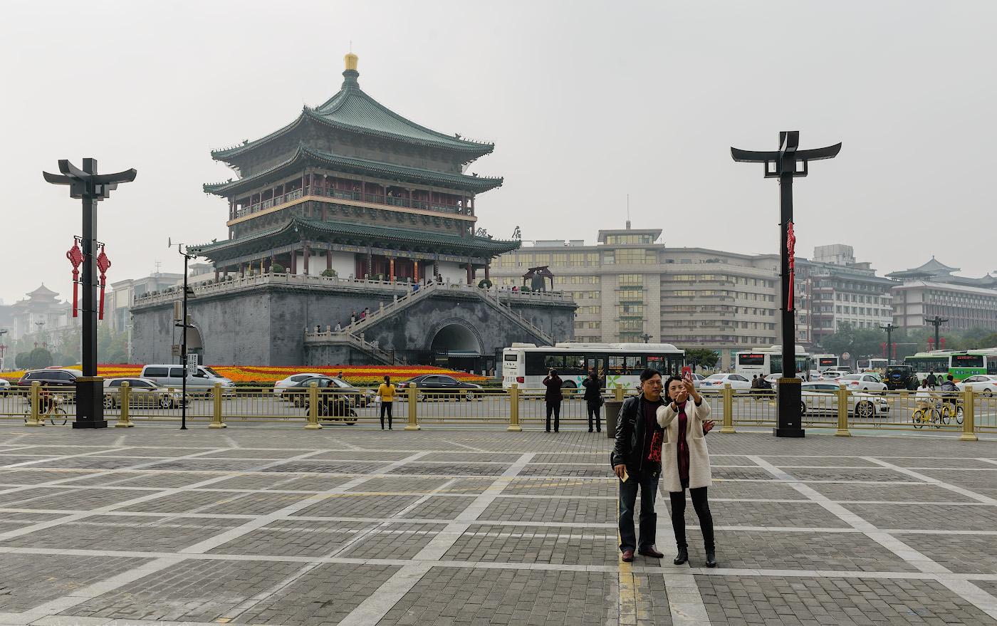 Фото 8. Колокольная башня – символ Сианя. Отчет об экскурсиях в Китае. 1/250, -0.33, 8.0, 100, 32.