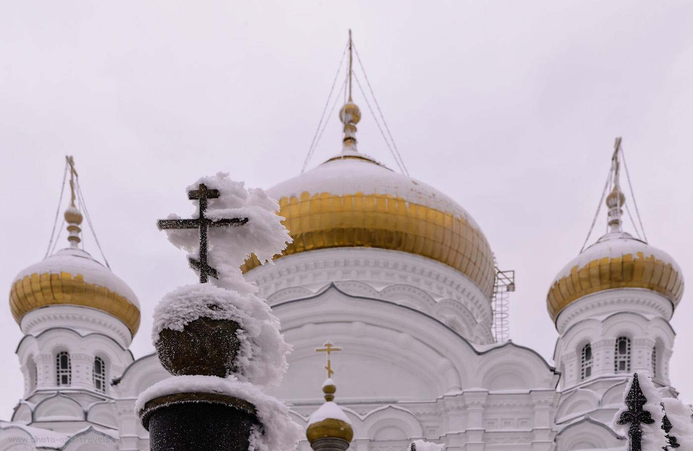 Фото 13. Вид на Крестовоздвиженский собор Белогорского монастыря. 1/125, +0.67, 14.0, 800, 56.