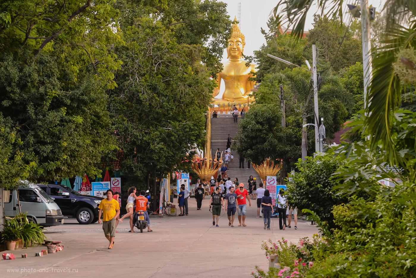 Фотография 14. Большой Будда (Big Buddha) на холме Пратамнак в Паттайе. Интересные и недорогие экскурсии. Советы отдыхающим в Таиланде. 1/250, +0.33, 8.0, 5600, 105.
