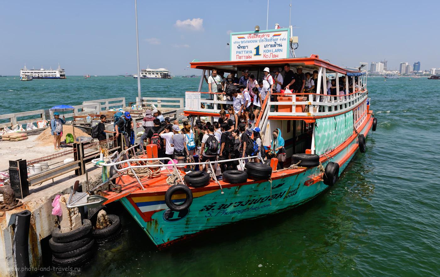 Фотография 12. На таких паромах можно за 30 бат доплыть с пирса «Бали Хай» (Bali Hai Pier) с Паттайи на остров Ко Лан (Koh Larn). Отчет об отдыхе в Таиланде самостоятельно. 1/400, -0.33, 6.3, 100, 27.