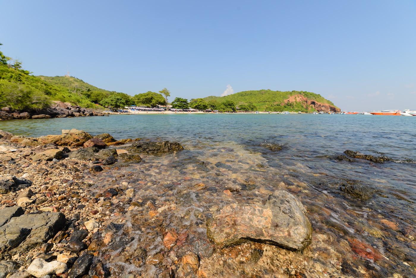 Снимок 13. Вид на пляж Манки Бич (Monkey Beach, другое название - Нуал, Nualbeach) острова Ко Лан. Преимущества отдыха в Паттайе в Таиланде. 1/160, -0.33, 9.0, 100, 14.