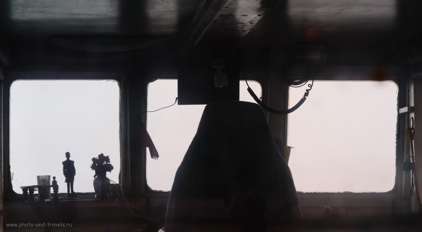 Фотография 15. Фигурка адмирала Крома в пароме на Ко Лан. Точно такая же на смотровой площадке Pattaya View Point холма Пратамнак в центре Паттайи. 1/500, +0.33, 4.0, 4500, 120.