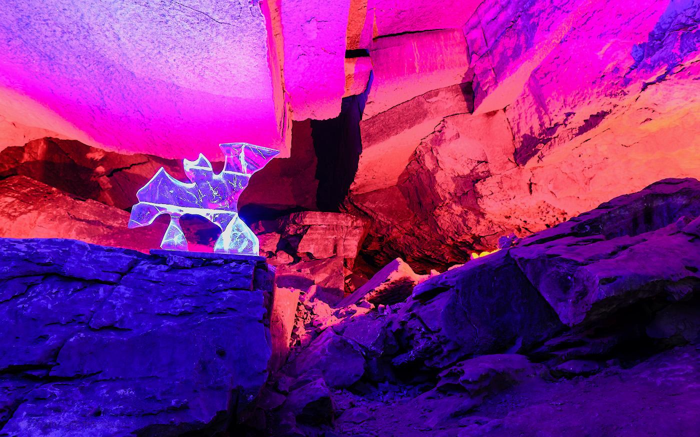 Фото 8. Ледяная летучая мышь в гроте Данте в Кунгурской пещере. Отзывы о поездке самостоятельно в Пермский край на выходные. 3.0, +0.33, 6.3, 400, 24.
