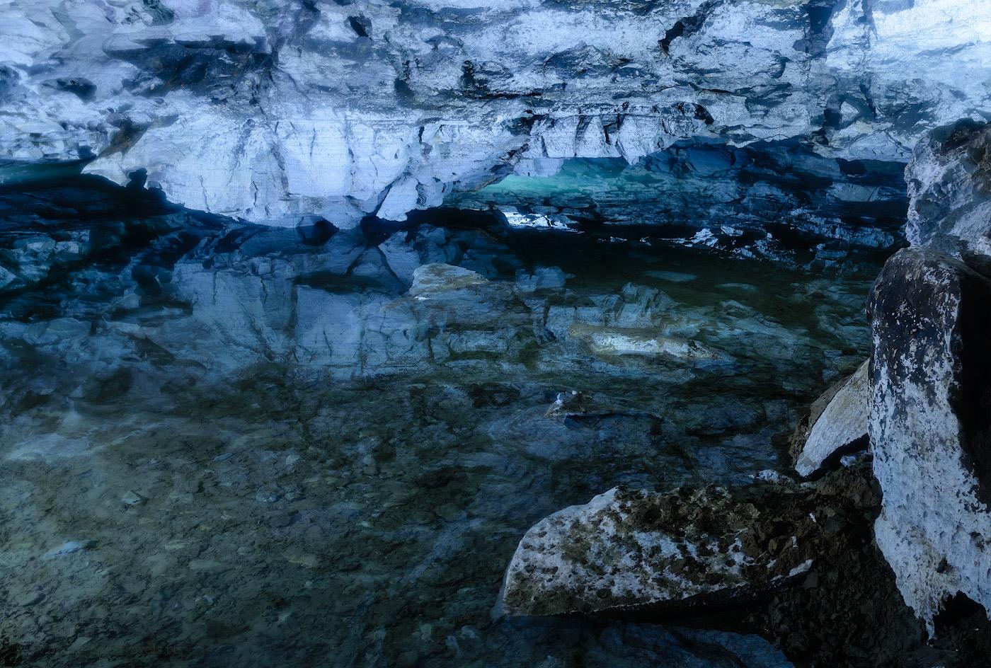 Фото 12. Подземное озеро в Кунгурской пещере. Стоит ли ехать на экскурсию? Да! Отчеты туристов о путешествии по интересным местам Пермского края. 4, 8.0, 400, 31.