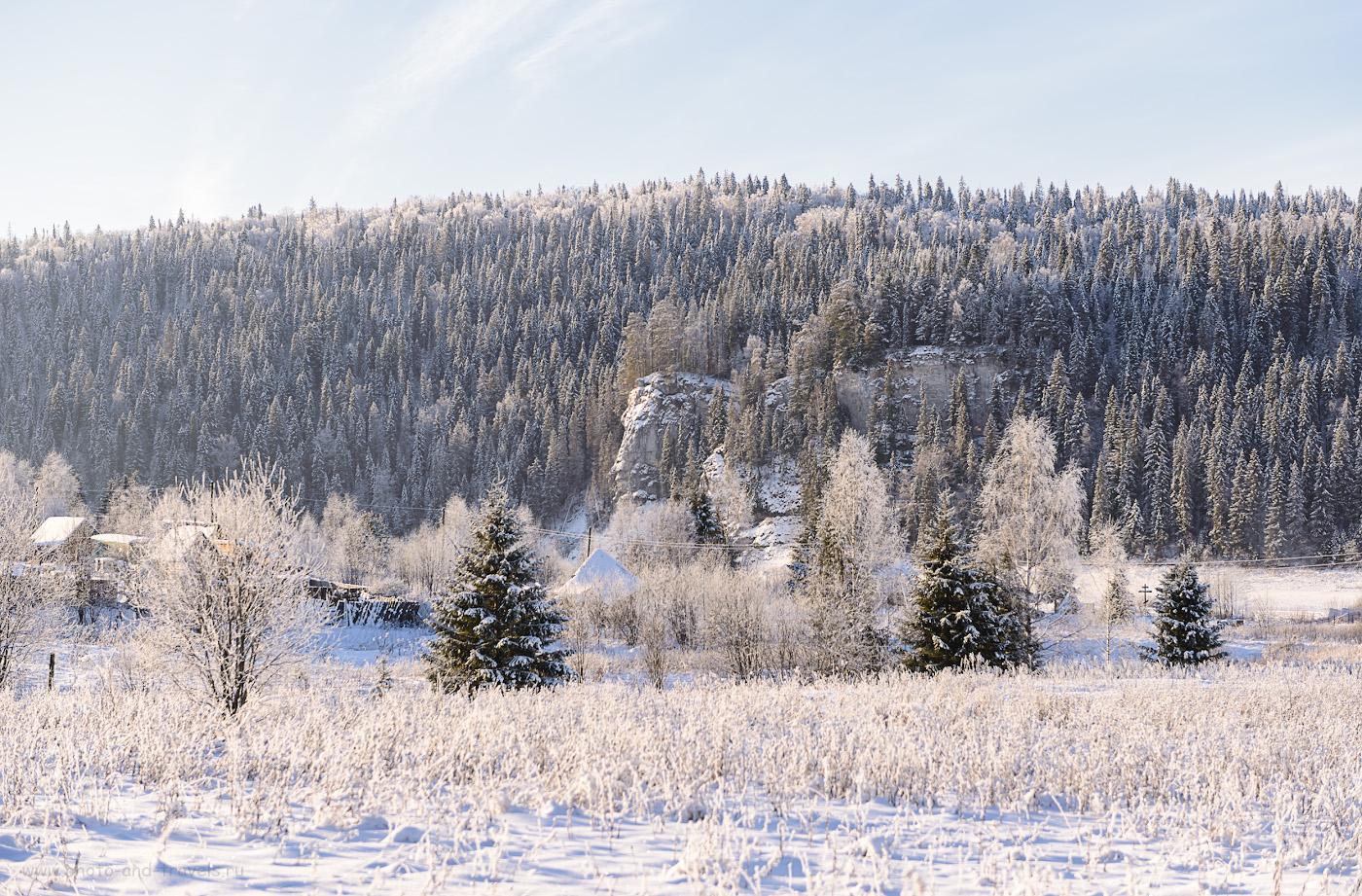 Фото 6. Камень Филин в окрестностях турбазы «Усть-Койва» по пути к стоянке, откуда начинается поход к Мельничному ручью. 1/640, +0.33, 3.5, 100, 70.
