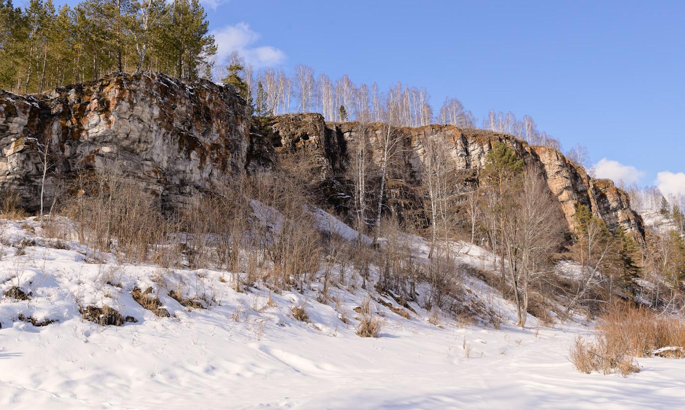 Фотография 34. Три окна Идрисовской пещеры, расположенной на границе Башкирии и Челябинской области на берегу реки Юрюзань. Отзывы о путешествии на авто самостоятельно. 1/320, +0.33, 9.0, 400, 27.