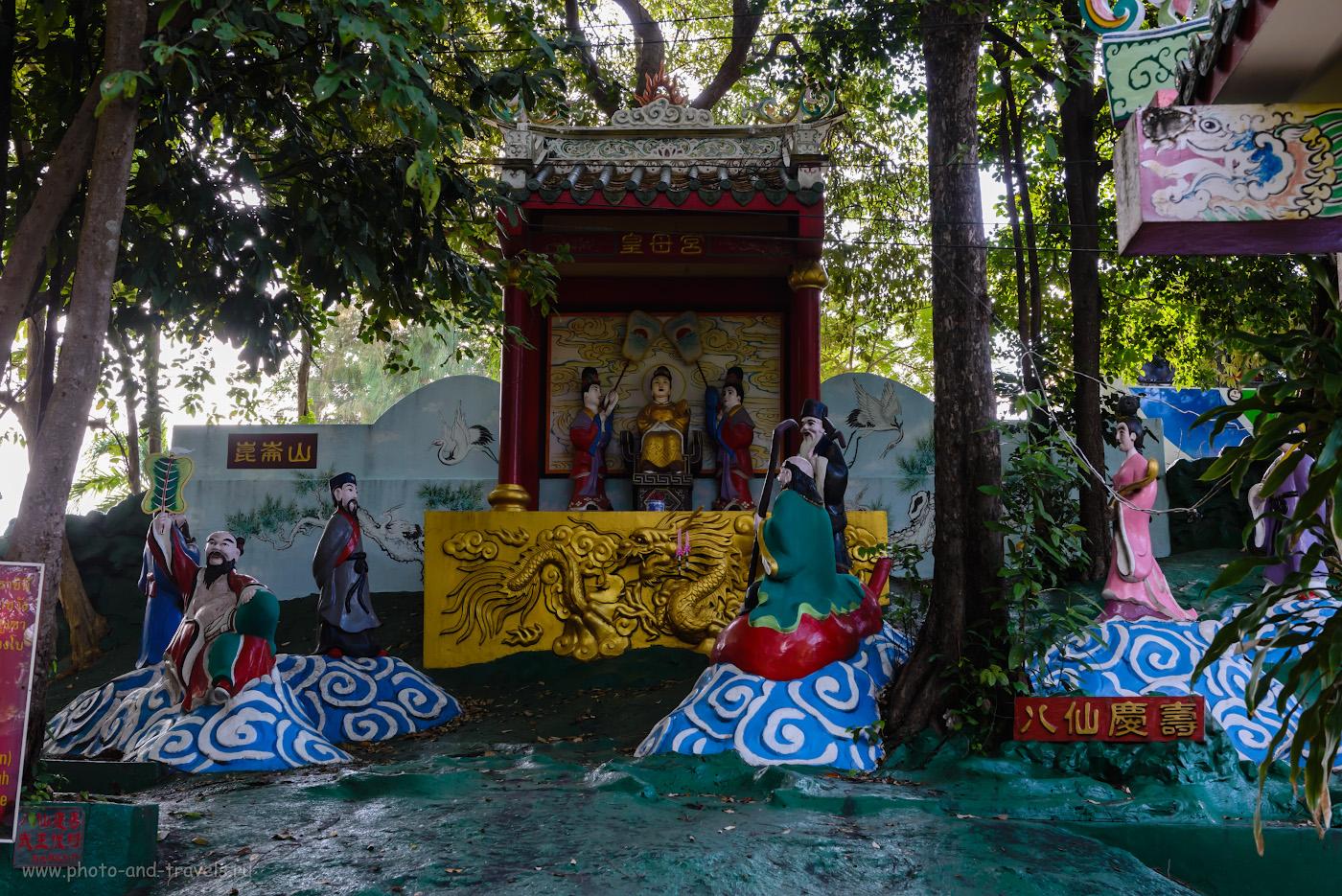 Фото 6. Еще одна сценка из жизни китайских народных преданий в парке Wang Sam Sien рядом с Большим Буддой. Отзывы туристов о самостоятельных экскурсиях в Паттайе во время отдыха в октябре 2017 года. 1/100, +0.33, 8.0, 1000, 48.
