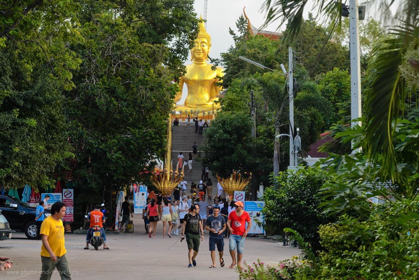 Фото 21. Большой Будда на холме Пратамнак в Паттайе – наверное, самый известный монумент курорта. 1/250, -0.67, 8.0, 2200, 110.