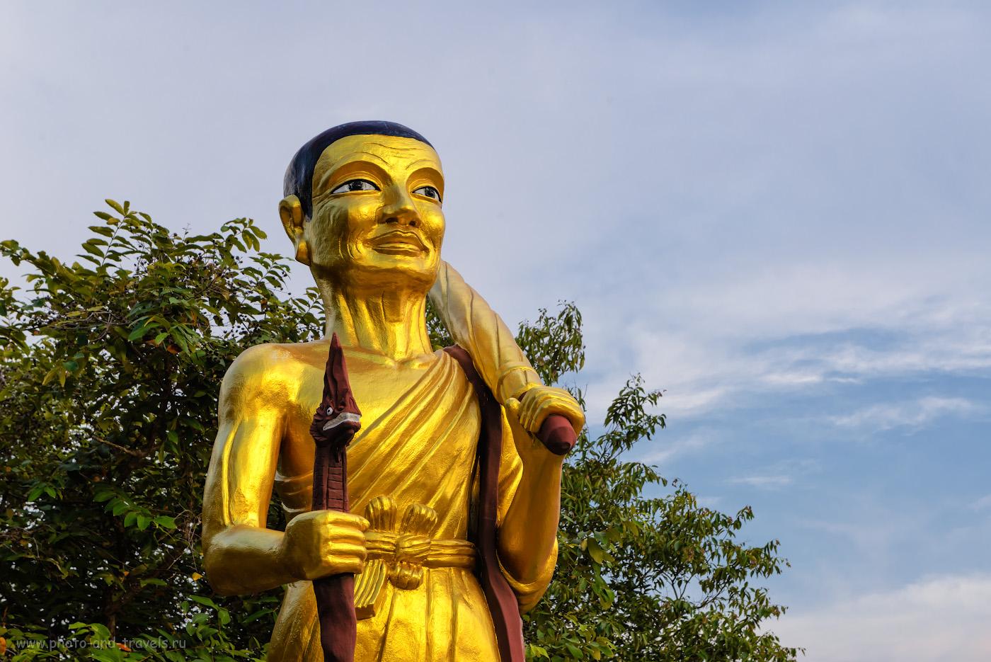 Снимок 26. Скульптура в храме Ват Пхра Яй (Wat Phra Yai) на холме Пратамнак. Отзыв о самостоятельной экскурсии в Паттайе. 1/160, -0.67, 10.0, 360, 70.