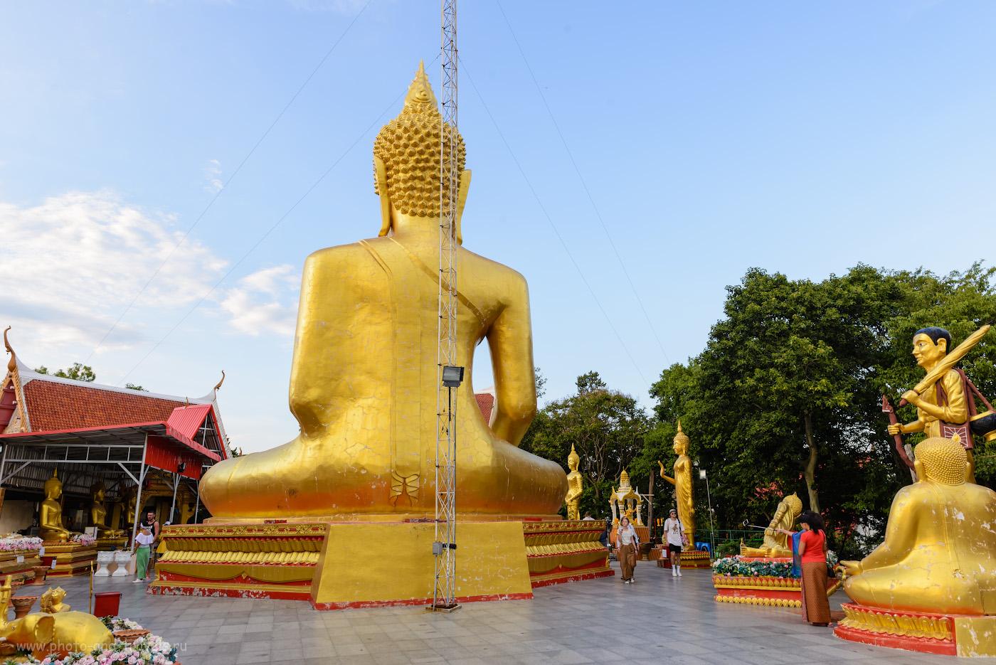 Фотография 25. Большой и маленькие Будды на холме Пратамнак в Паттайе. Поклонись тому, который отвечает за твой День рожденья. 1/50, -0.33, 9.0, 125, 24.