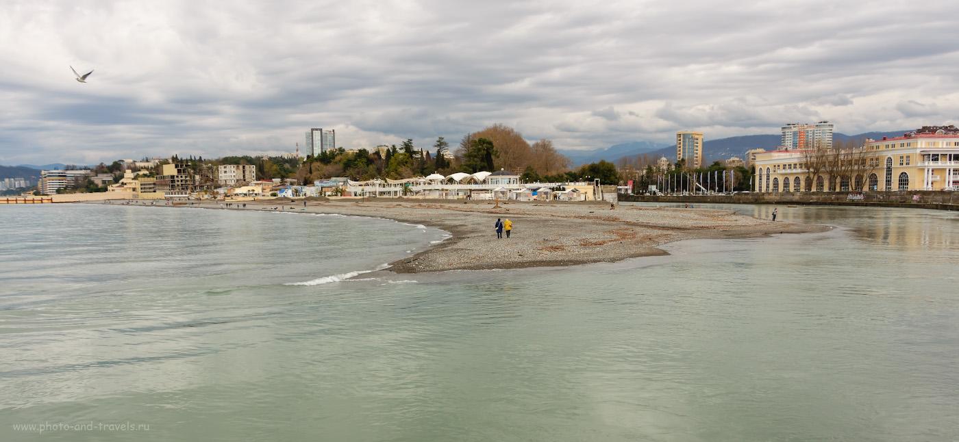 Фотография 8. Устье реки Сочи. Слева - море, справа - река. 1/800, f/5.6, ISO 200, 18.