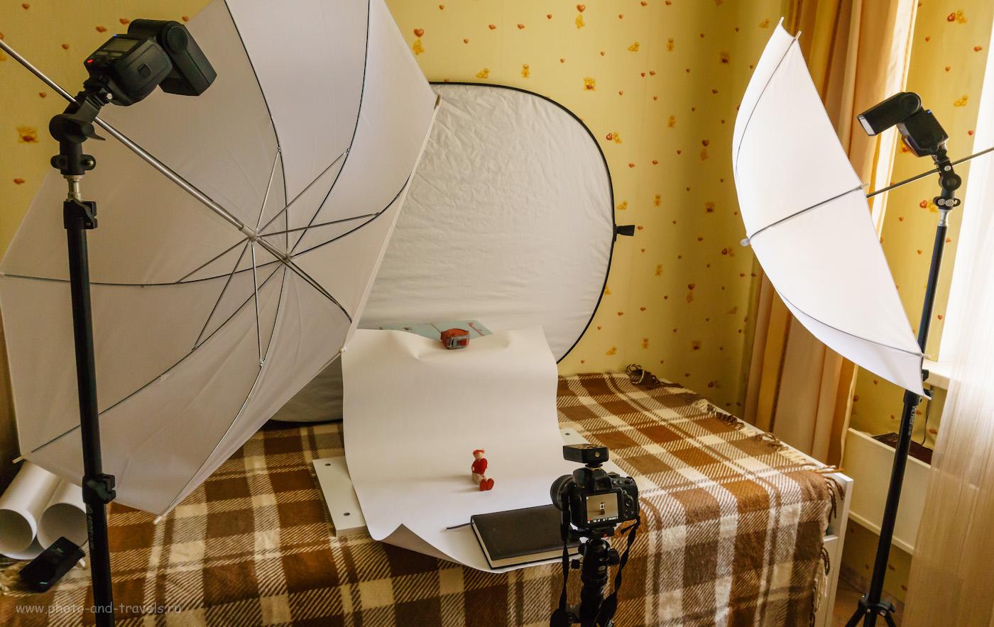 Фото 18. Моя студия в квартире с камерой Nikon D5100 KIT 18-55mm f/3.5-5.6 и 2 вспышками Yongnuo YN-685N, белым отражателем. Белый фон - лист ватмана. Управление импульсным светом - от контроллера Yongnuo YN-622N-TX. Снято на Сони А6000 КИТ 16-50/3,5-5,6 со следующими настройками: 1/50, -0.3, 8.0, 800, 16.
