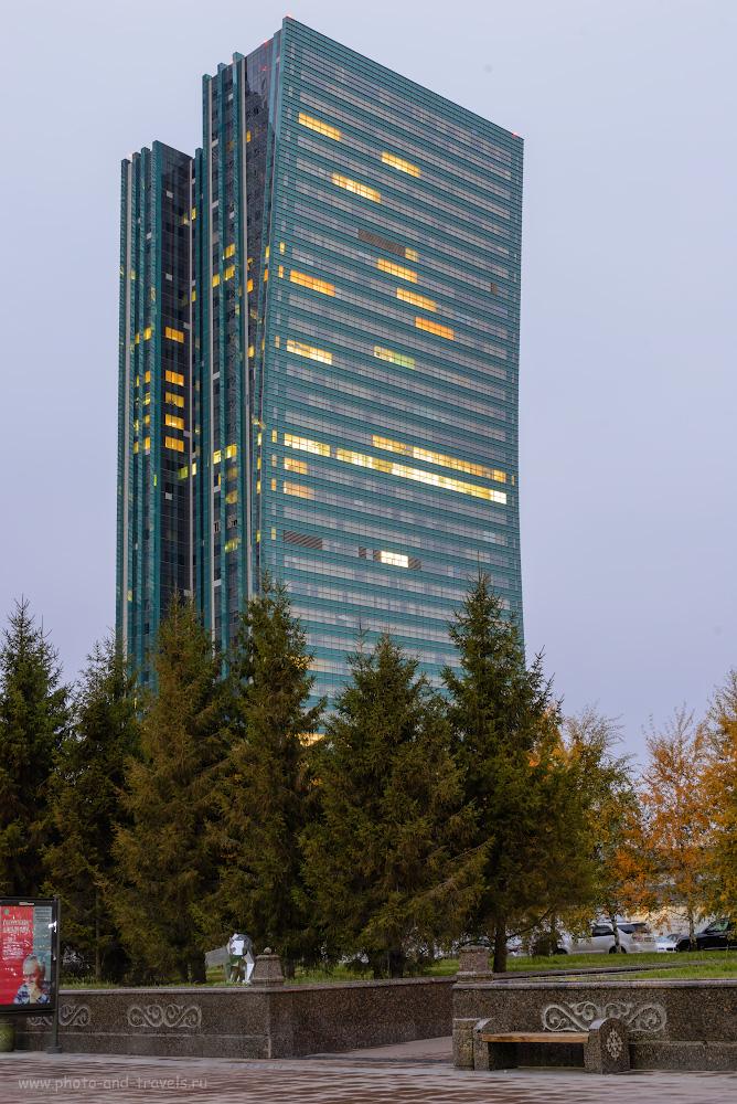 Фото 15. Небоскреб-книжка в комплексе «Изумрудный квартал» - самое высокое здание в Астане. Что мы успели посмотреть во время пересадки, когда летели в Китай через Казахстан. 13.0, +0.67, 9.0, 100, 48.