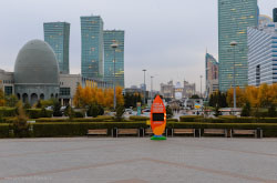 Karta poletov Air Astana i skhema raspolozheniia interesnykh mest v Astane Moi otzyv o progulke po tsentru goroda Rasskaz o neudachnoi arende khostela cherez Buking.