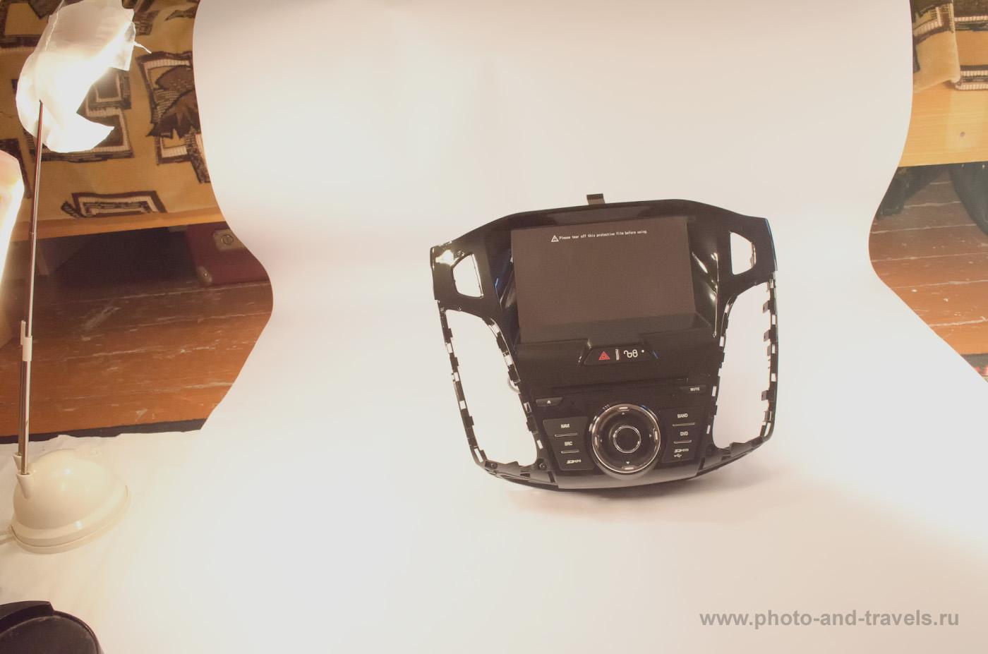 Фото 1. В качестве фона для предметной фотосъемки в домашних условиях используем лист ватмана.