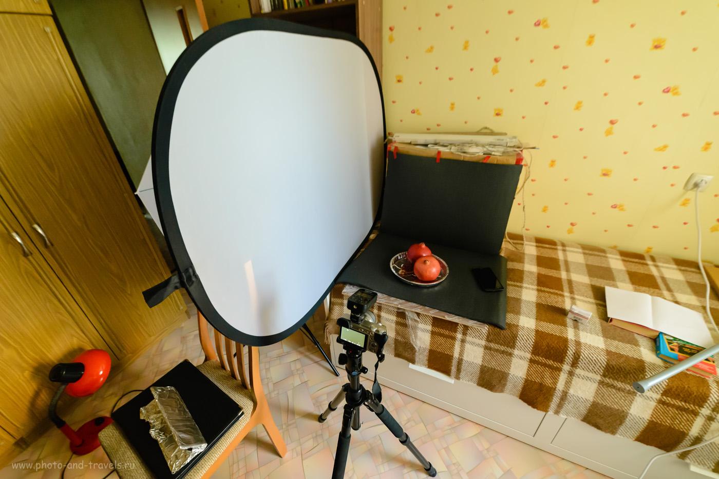 Фотография 15. Использование фрост-рамы для рассеивания студийного света. Учимся снимать натюрморт со вспышкой на беззеркальный фотоаппарат Sony A6000 KIT 16-50mm f/3.5-5.6. На снимке на беззеркалку установлен радиосинхронизатор Yongnuo YN-622N-TX. Параметры съемки: 1/20, 5.6, 6400, 14.