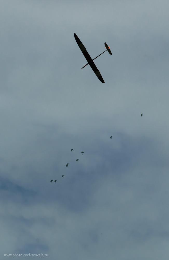 Фото 11. Снимаем парапланы и парашютистов на беззеркальную камеру Сони А6000 с мануальными стеклами под байонет Никон Ф. Настройки: 1/320, +0.7, 250.