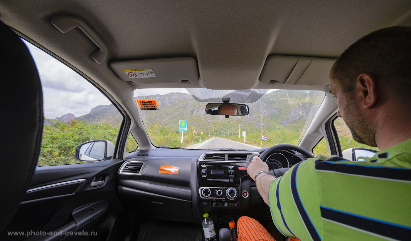 Фотография 1. За правым рулем миниатюрной машинки «Honda Jazz» мы с женой проехали по левосторонним дорогам 2500 км в феврале 2015 года по Центральному и Южному Таиланду. Как организовать недорогое путешествие.