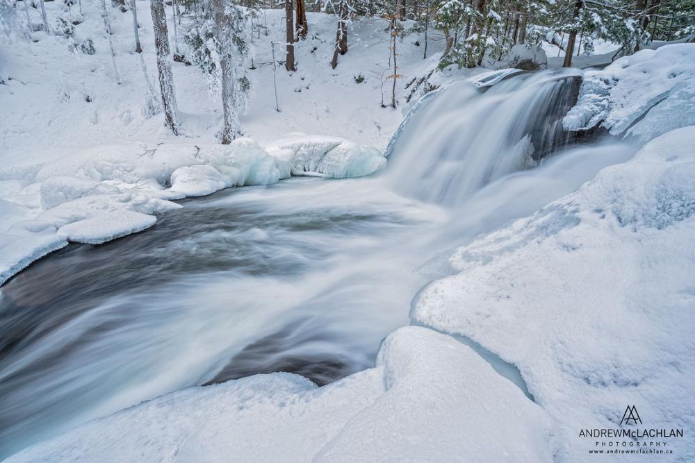 20. Водопад Skeleton Falls на Skeleton River около Rosseau в Онтарио. Тест объектива Laowa 12mm f/2.8 Zero-D Lens для пейзажной съемки. Тушка Nikon D800. Настройки: ISO 50, f/16, 1 сек.