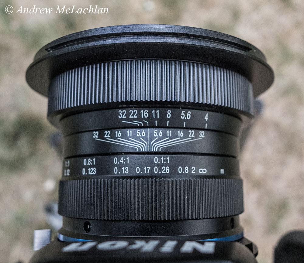 Фото 3. Корпус макрообъектива Laowa 15mm f4 1:1 Macro. Ближнее кольцо предназначено для фокусировки, дальнее – для установки диафрагмы. Снято на компакт Sony Cyber-Shot RX100.