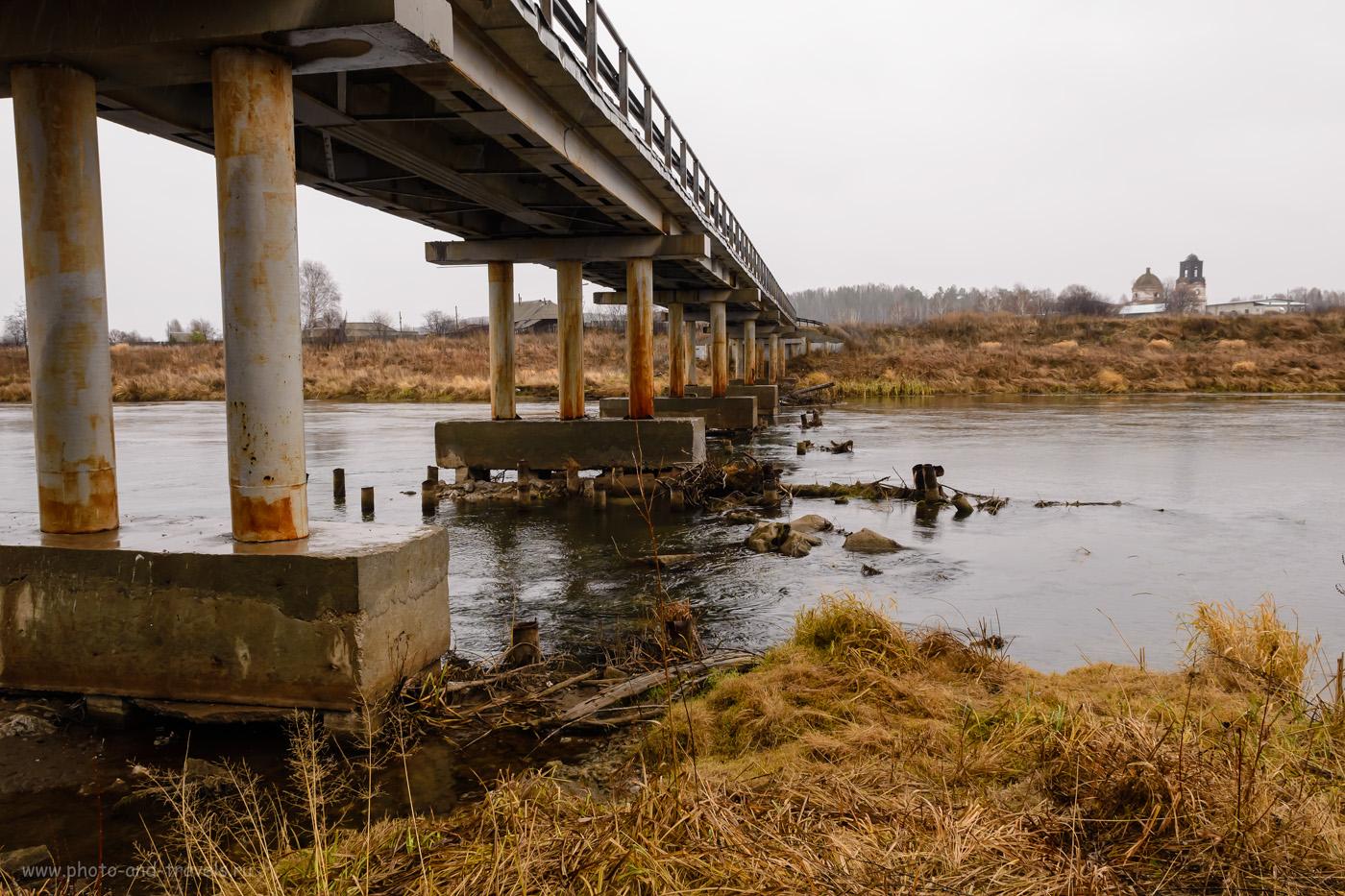 Фотография 33. Мост через реку Ирень. Вид на церковь Благовещения Пресвятой Богородицы в деревне Веслянка. 1/50, -0.67, 9.0, 640, 17.