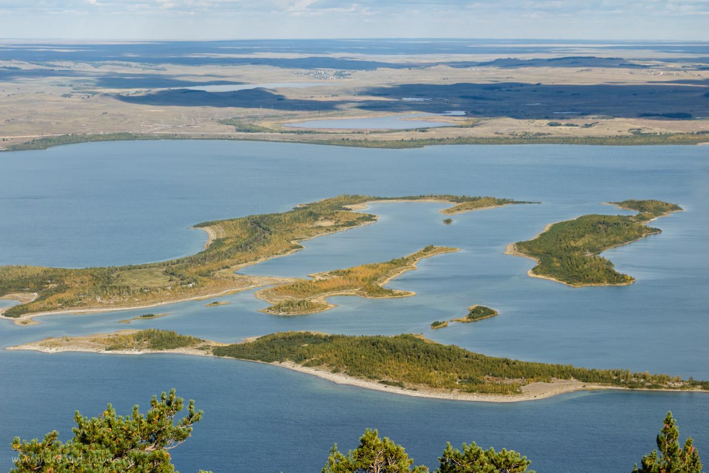 Снимок 30. Осеннее озеро Большое Чебачье. Отзыв о поездке в Бурабай на машине. Семейный отдых на природе в Казахстане. 1/200, +0.3, 10, 200, 50.