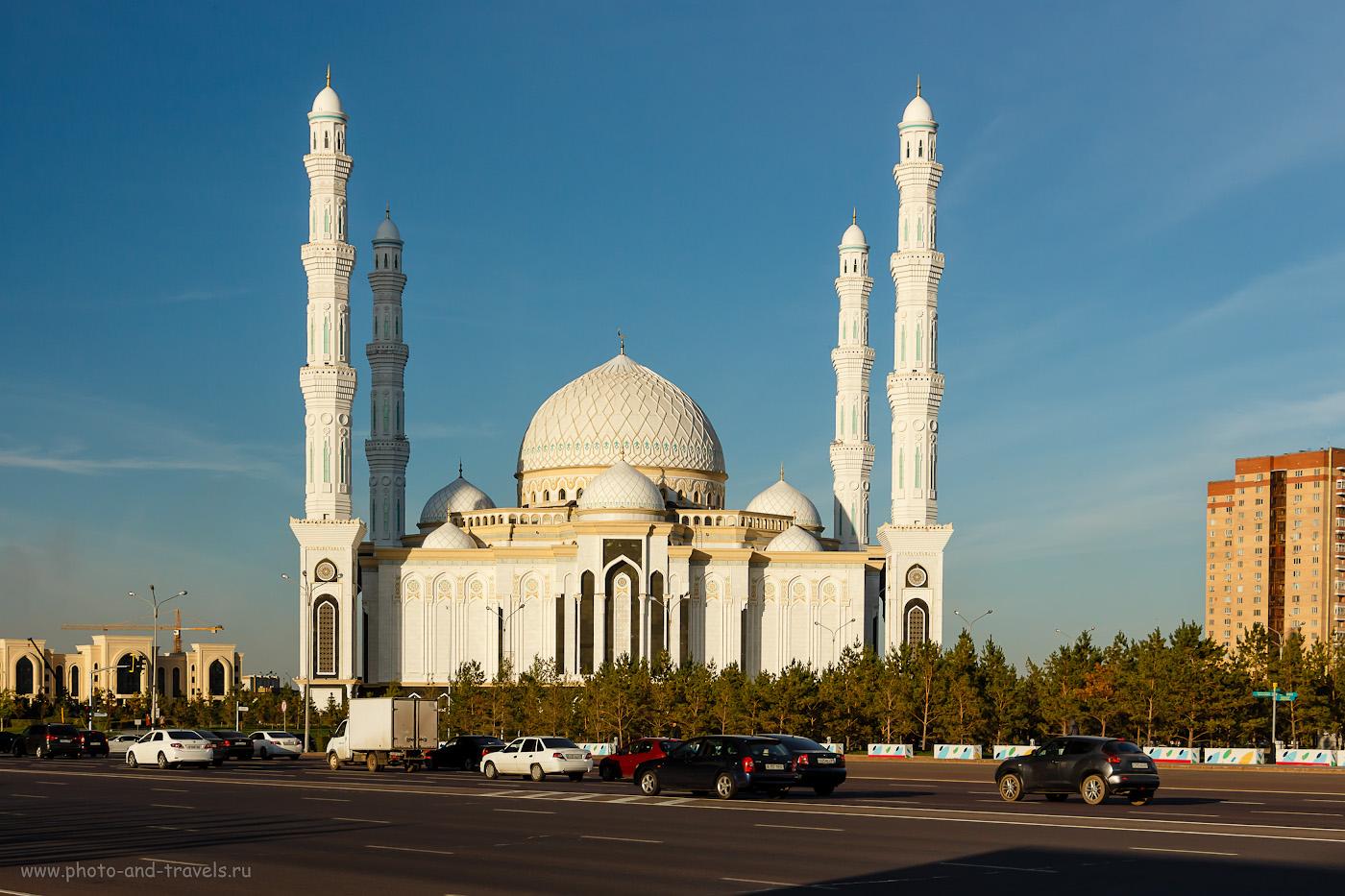Снимок 22. Соборная мечеть «Хазрет Султан» в Астане. Интересные места столицы Казахстана. 1/400, +0.33, 8.0, 200, 35.