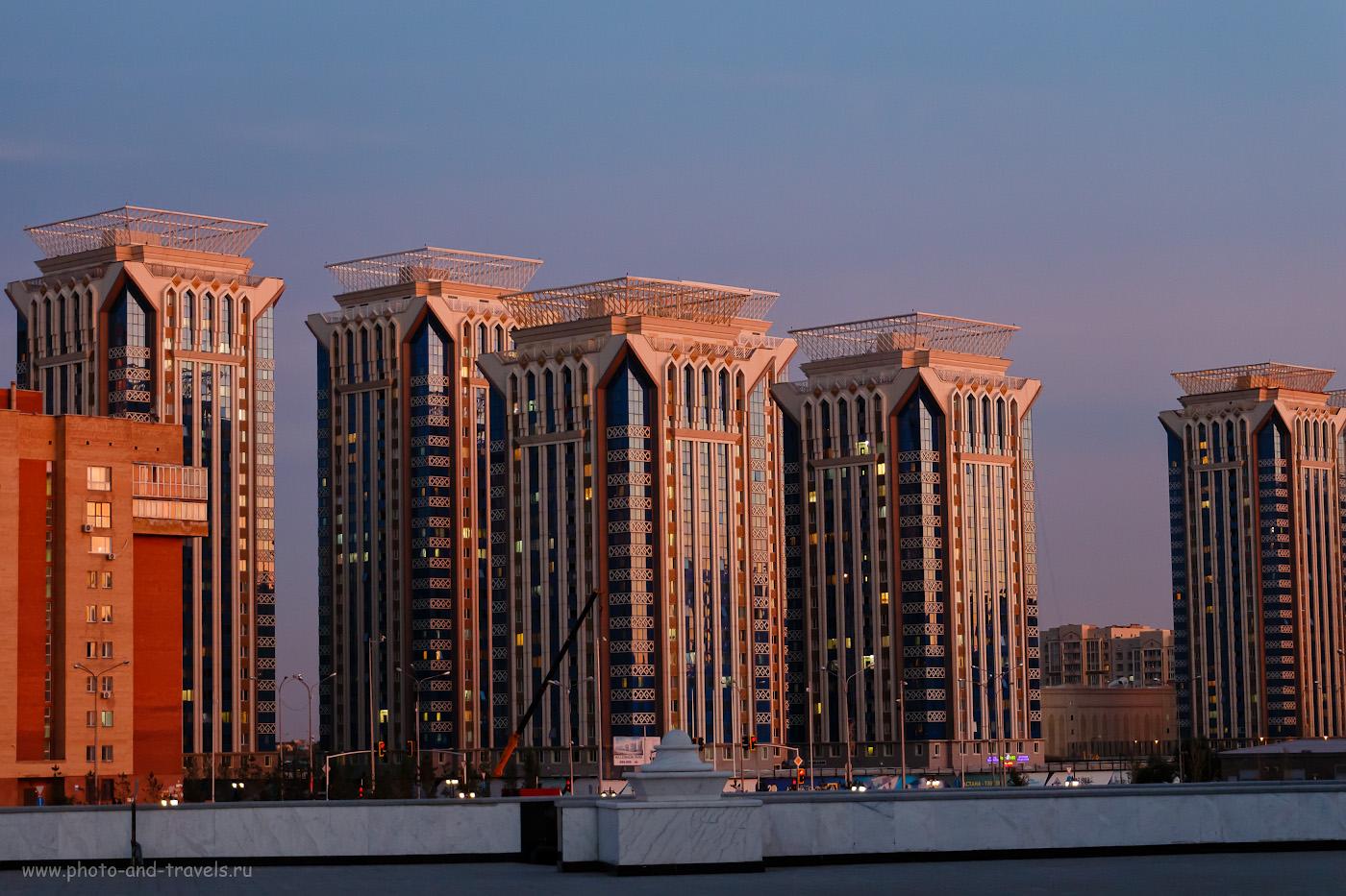 Фото 31. Вид на жилой комплекс «Millennium park» от мечети «Хазрет Султан» в Астане. 1/25, -0.3, 5, 800, 50.