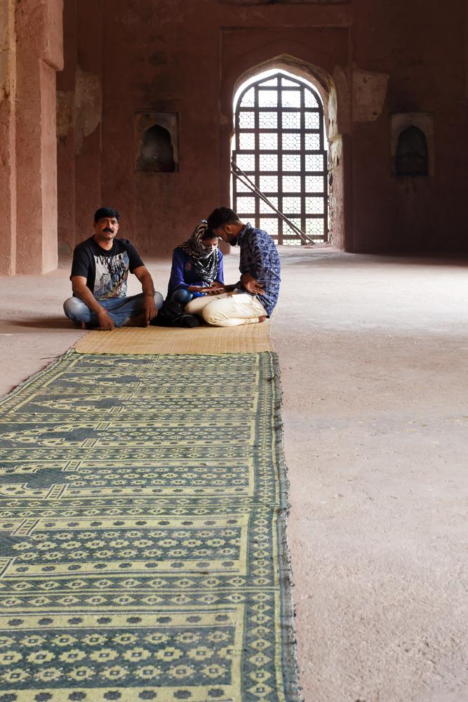 Фото 5. Молитвенный зал мечети Хайрул Маназил (Masjid Khairul Manazil) в Дели. Отзыв о поездке в Индию в седьмой раз (1/40; 0; 6,3; 800; 40).