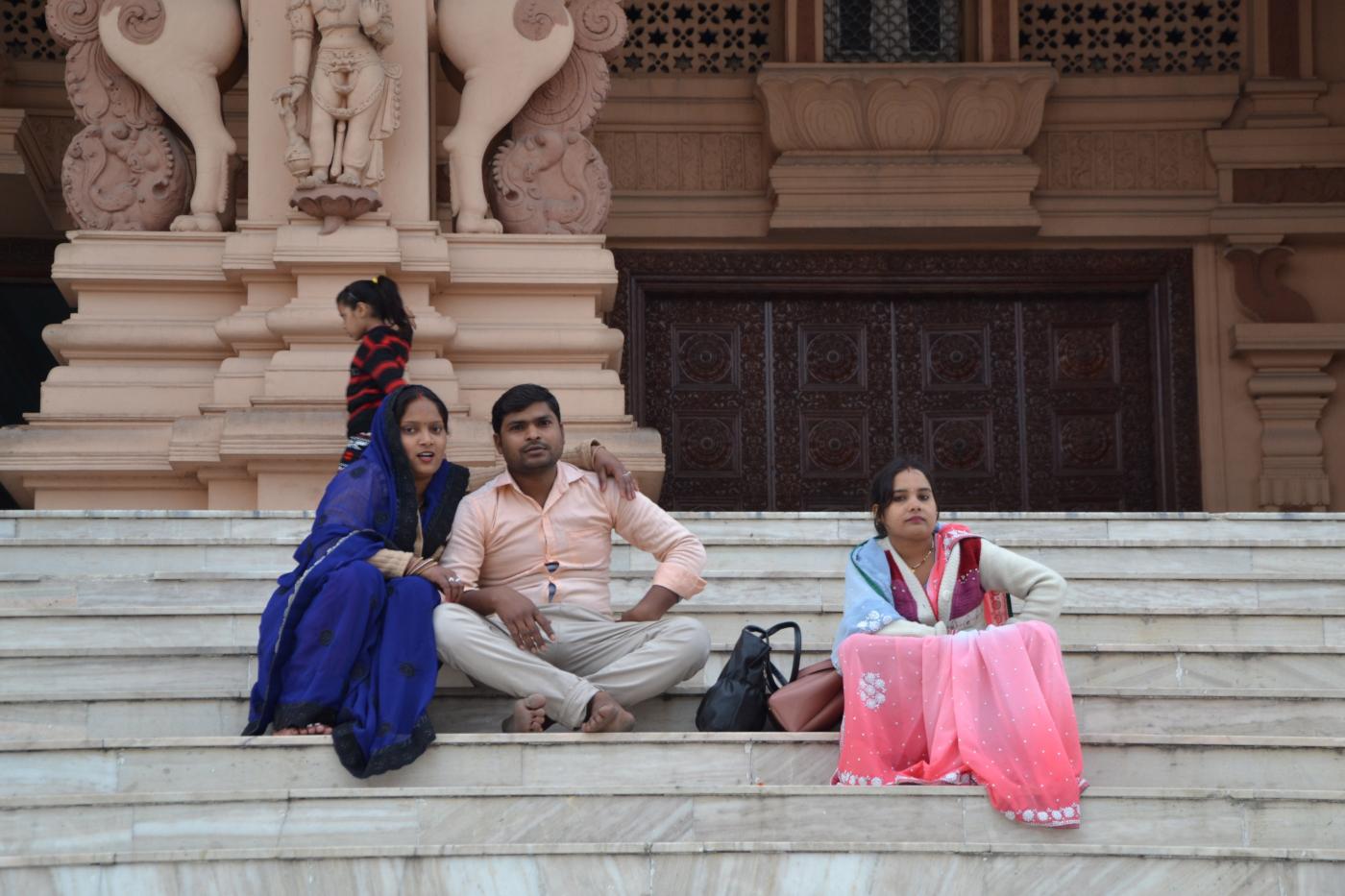 Фото 25. Вечерний храм. Туристы в Дели. 1/100, 5, 400, 55