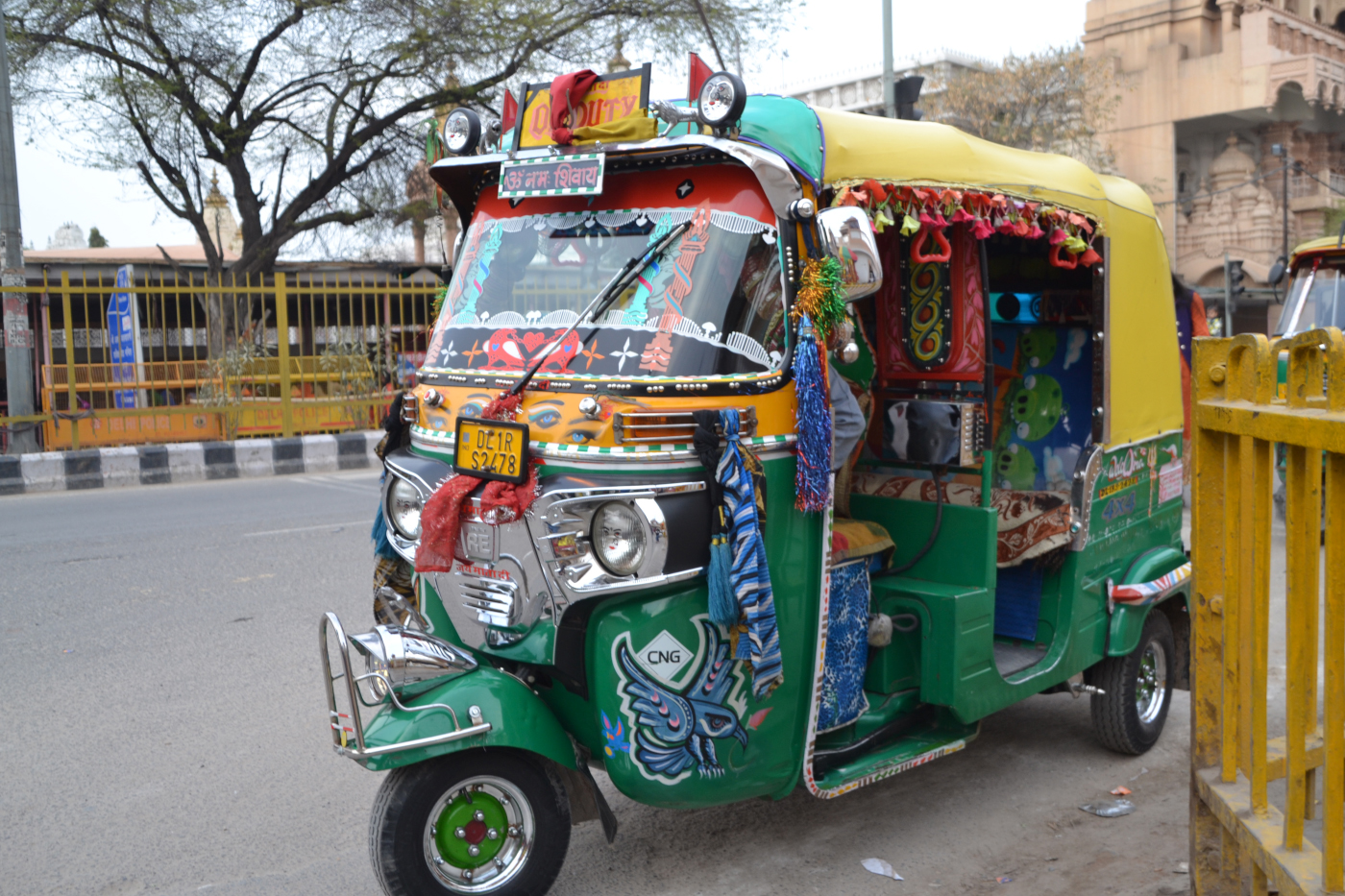 Фото 4. Сказочный вид транспорта в Дели. 1/125, 5,6, 250, 55.