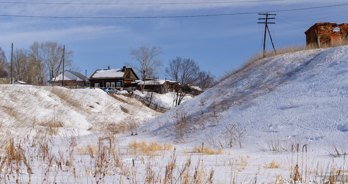 Фото 3. В селе Багаряк жилые дома соседствуют с живописными развалинами. Что посмотреть по пути в Зотинскую пещеру. 1/500, +0.67, 9.0, 400, 62.