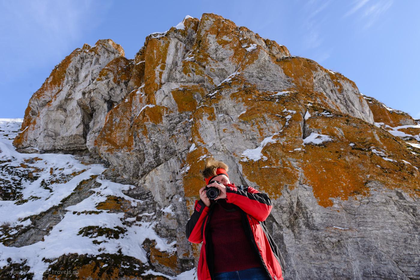Фото 24. Фотосессия на фоне красных скал у Зотинской пещеры. 1/50, +0.33, 8.0, 100, 24.