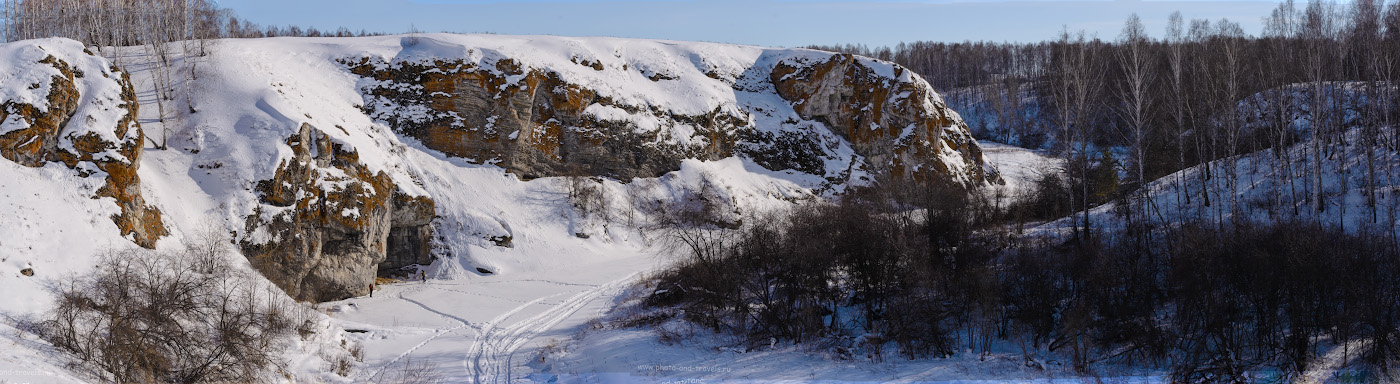 Фото 1. Каньон на реке Багаряк у пещеры Зотинская. Отзывы туристов о поездках выходного дня по интересным местам Челябинской области. Панорама из 5-ти горизонтальных кадров, снятых с рук. ФР=70 мм.