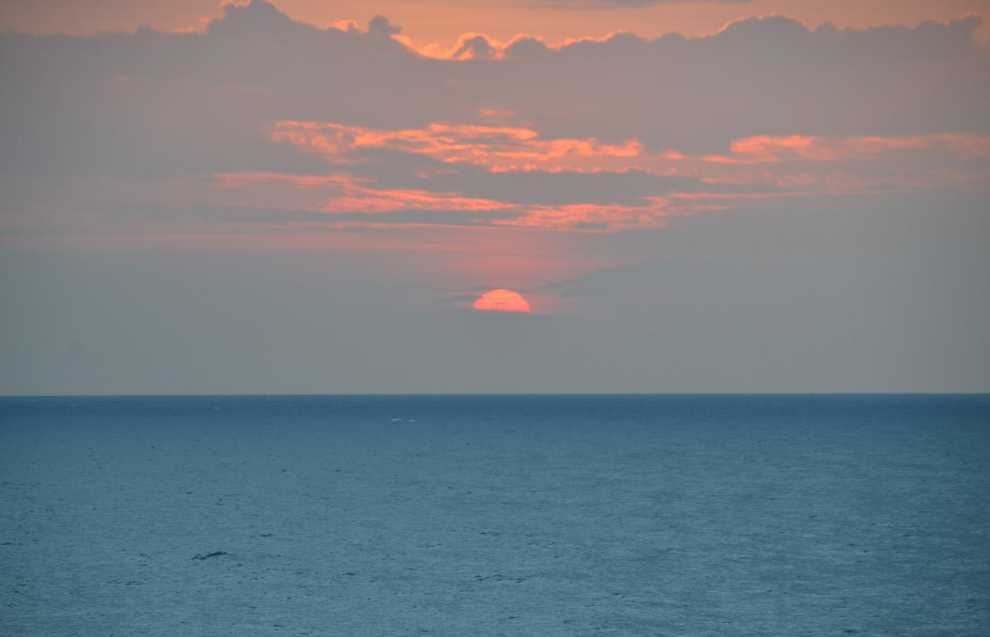 Фото 16. Закаты на пляже Унаватуна (Unawatuna Beach). Вечере после экскурсии в Форт Галле (Galle Fort). 1/60, 5.6, 400, 85.