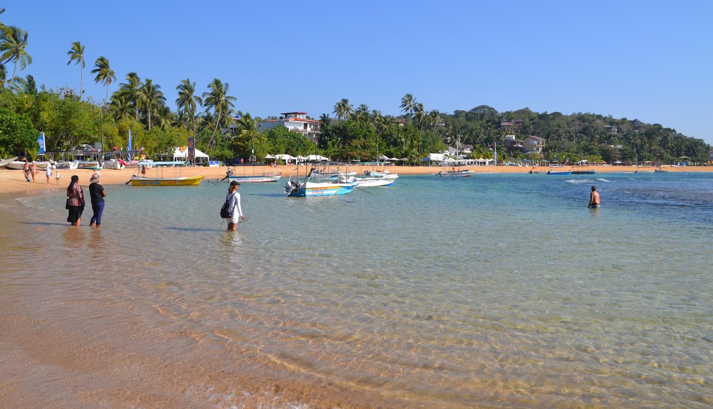 Фотография 3. Утро на пляже Унаватуна (Unawatuna Beach). Отзывы туристов об отдыхе на Шри-Ланке самостоятельно. 1/400, 10, 100, 55.
