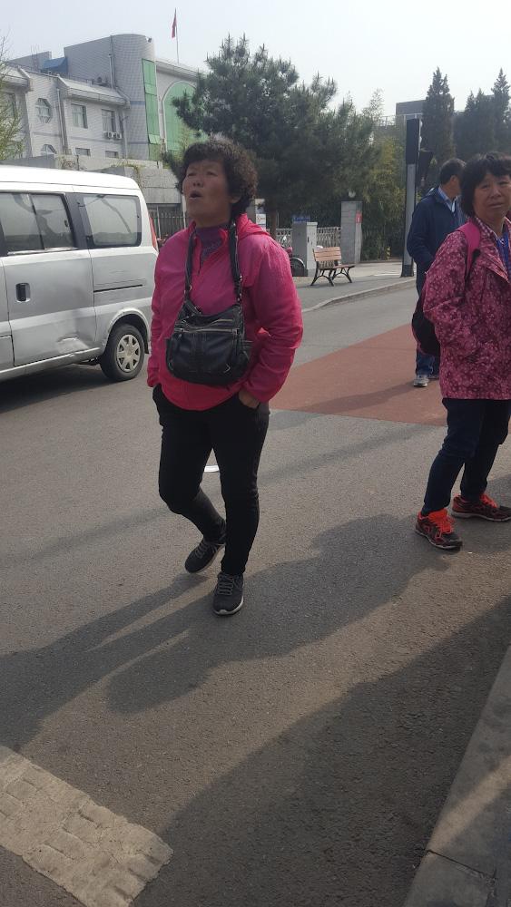 Фото 14. Остерегайтесь разводки от этой женщины, когда едете самостоятельно на участок Мутяньюй (Mutianyu Great Wall, 慕田峪长城) Великой Китайской Стены из Пекина.