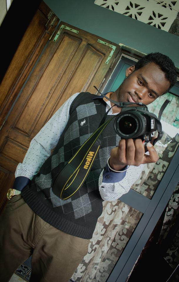 Фото 1. Портрет автора иллюстраций к сегодняшнему обзору Nikon D5600 с фиксом Vivitar 135mm f/2.8.