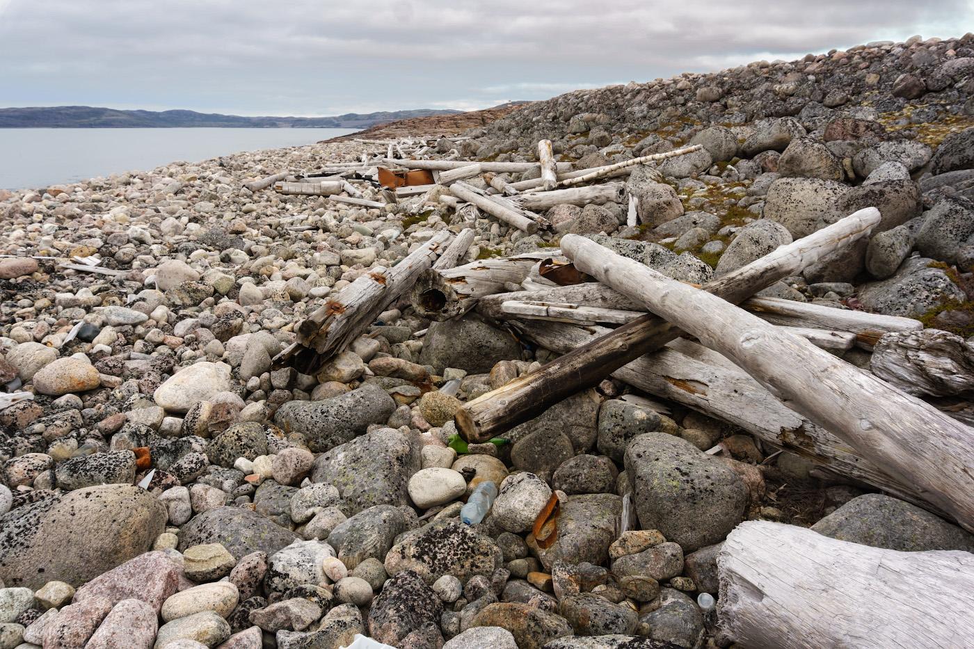 Фотография 19. Берег Баренцева моря. Териберская губа. Вдали – мыс Жилой.